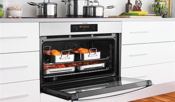 Westinghouse WVE916SB 90cm Electric Underbench Oven