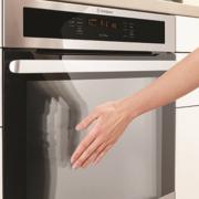 ovens_single-oven_wve916sb_benefit-4